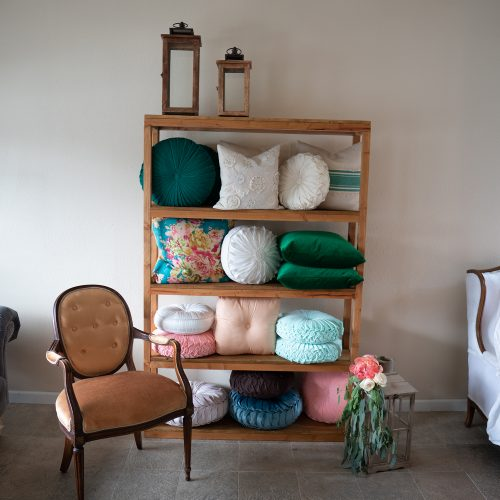 Pillows/Rugs
